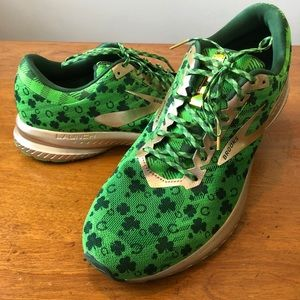 Brooks Limited Edition Launch 6 Shamrock shoes
